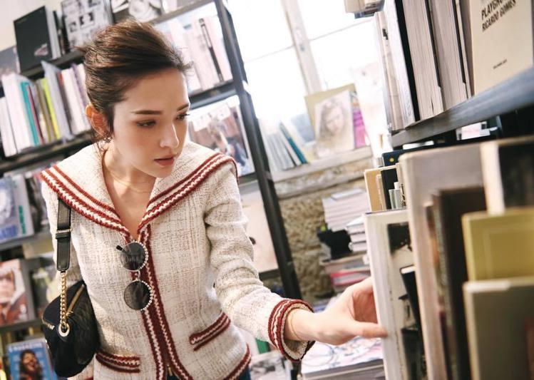 許瑋甯去年獲選為台灣第一位香奈兒彩妝形象大使。圖/擷自facebook