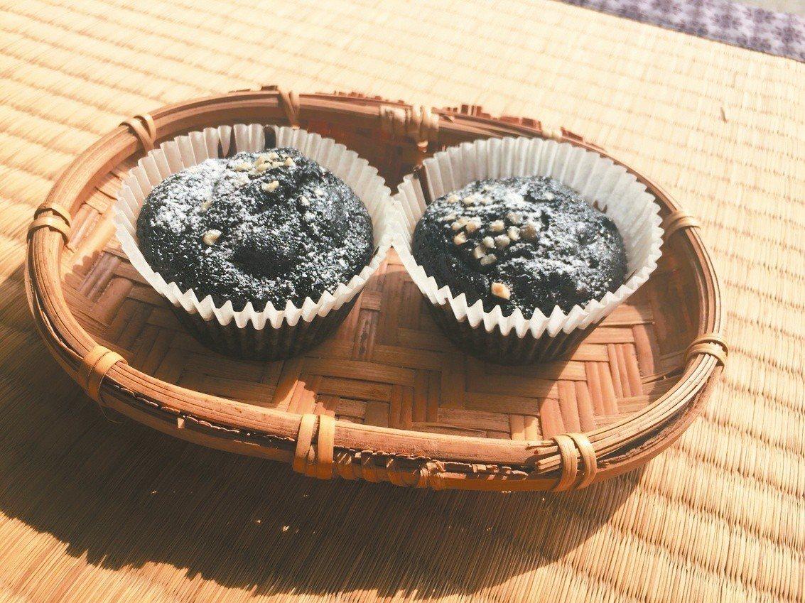 運用古法烘焙的龍眼乾,製作桂圓巧克力布朗尼,當個小小果香烘焙師。
