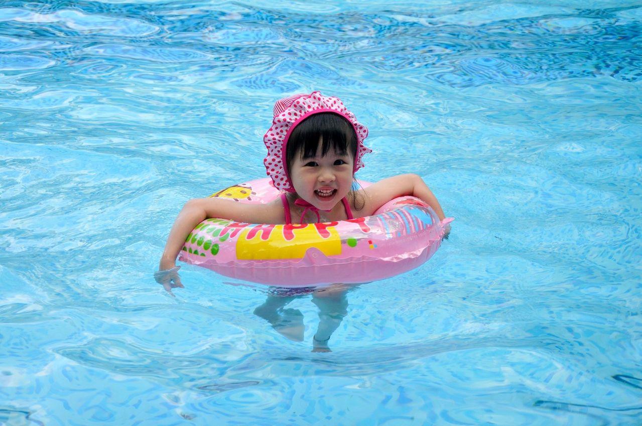 義大皇家酒店室內外都有充足的水設施,滿足大人小孩。(圖/義大世界提供)