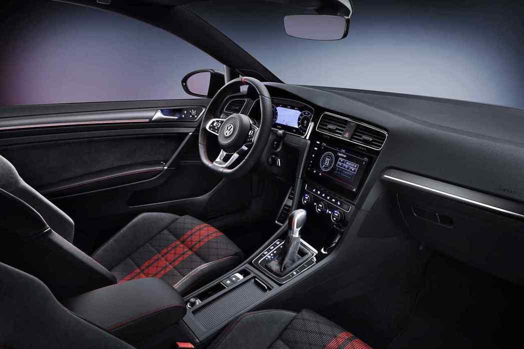 福斯Golf GTI TCR概念車,內裝擁有極具運動化的座艙氛圍。 圖/Volk...