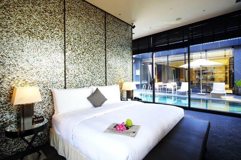 「國王行宮」含括5間套房、天際酒 廊、雪茄館、游泳池等專屬設施。