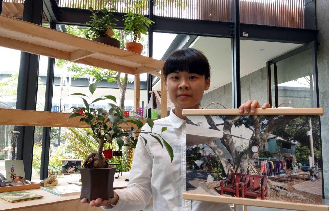 藝術家劉彥均拍下黎明新村公園奇景「樹掛物」,以此做為裝置藝術創作。記者趙容萱/攝...