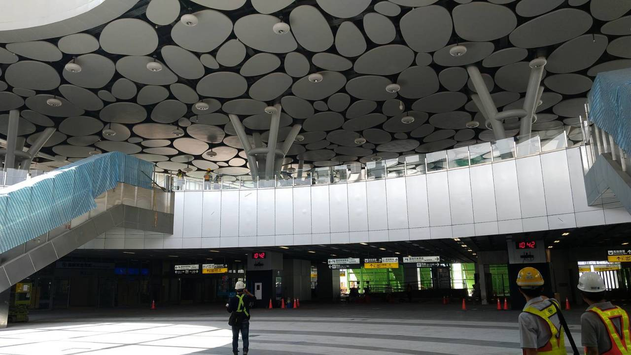 未來新的高雄火車站採下沉式廣場設計。記者蔡孟妤/攝影