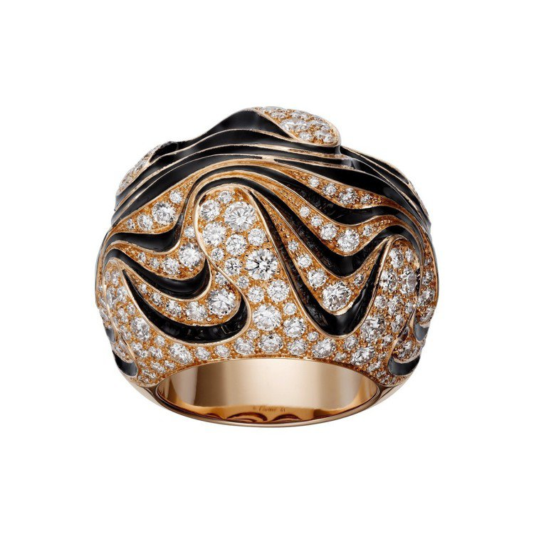 安海瑟薇配戴的Paris Nouvelle Vague系列戒指,約145萬元。圖...