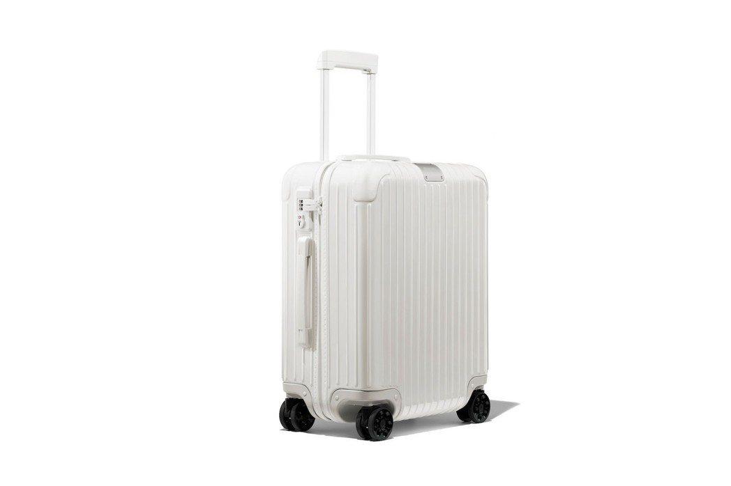 RIMOWA將推出全新的Classic系列行李箱,採用少見的純白設計。圖/摘自f...
