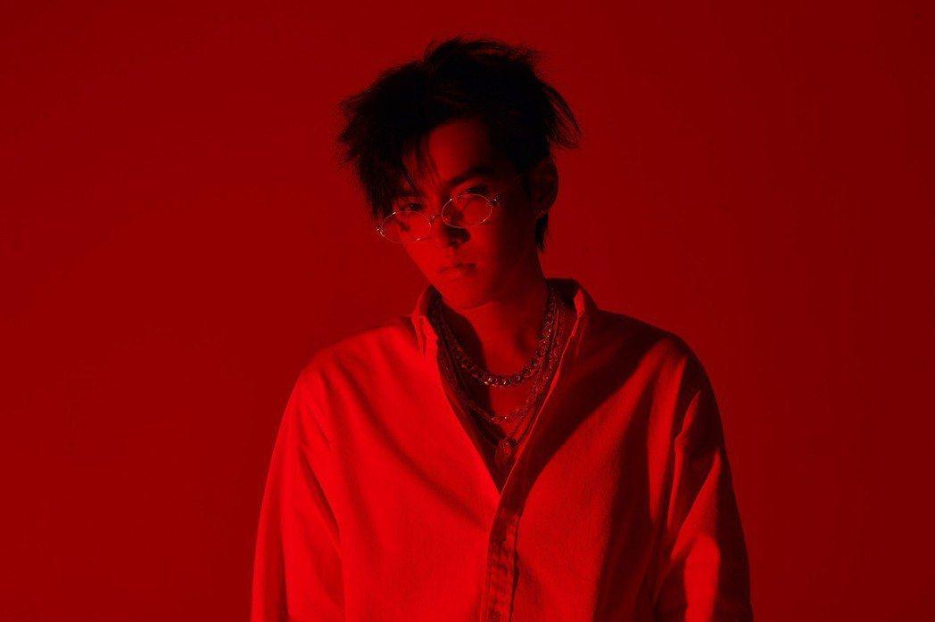 吳亦凡的英文單曲「Like That」登上Billboard告示牌百大單曲榜的第...
