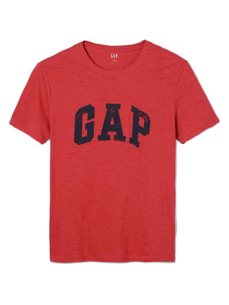 GAP徽標簡約風格柔軟舒適短袖T恤,約799元。圖/GAP提供