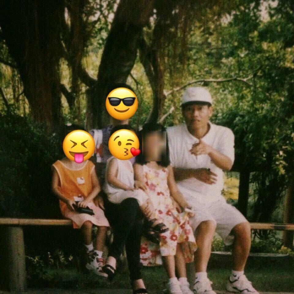 張錫銘女兒貼出小時候全家出遊照。圖/張錫銘女兒提供