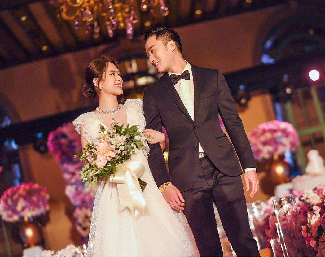賴弘國與阿嬌在洛杉磯擺婚宴的目的是想和親友共同慶祝。圖/摘自微博