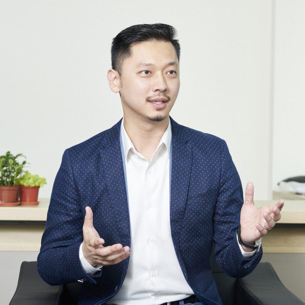 香港商阿爾伊公司共同創辦人暨執行長林翊忠表示RE紅包APP將於今年底前進馬來西亞...