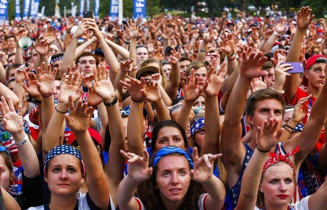 美加墨三國將聯手申辦世足賽,圖為2015年世界盃女足賽在加拿大舉行。 歐新社