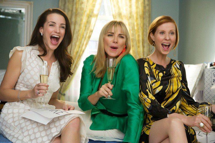 (左起)夏綠蒂(Kristin Davis飾)、莎曼珊、米蘭達(Cynthia ...