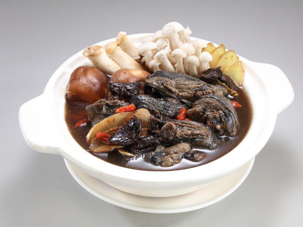漢典食品黑蒜烏骨雞湯鍋。 漢典食品/提供