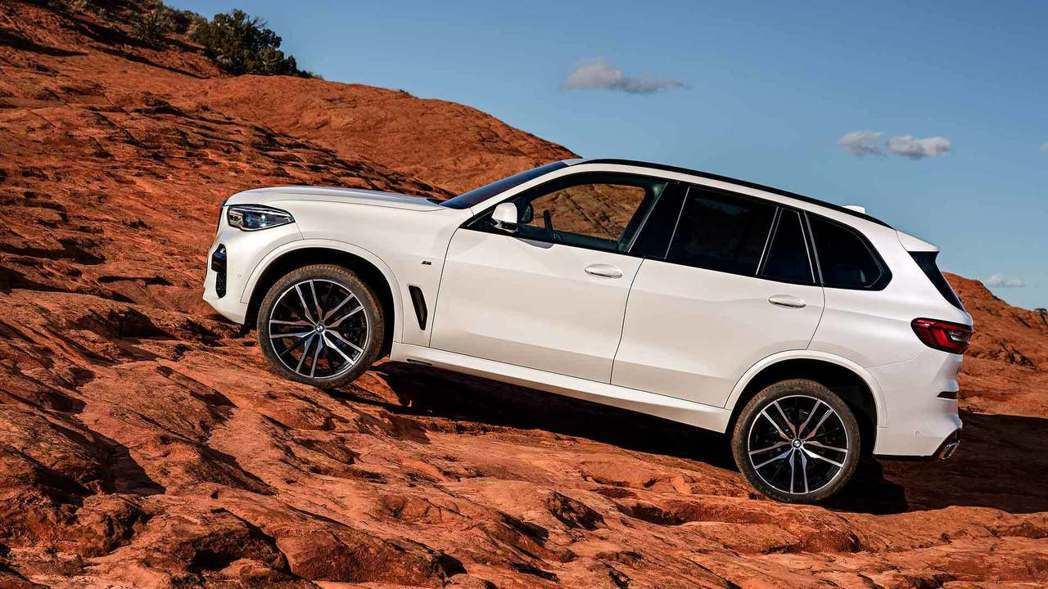 全新BMW X5(G05)擁有off-road套件。 摘自BMW