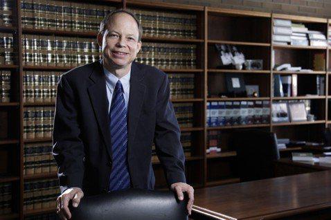 2015年的史丹佛大學性侵案,佩斯基法官重罪輕判的爭議,讓他成為自1932年以來...