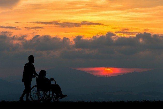 台灣今年正式邁入「高齡社會」與「多死社會」,這也讓提早正視自己和親人的善終,顯得...