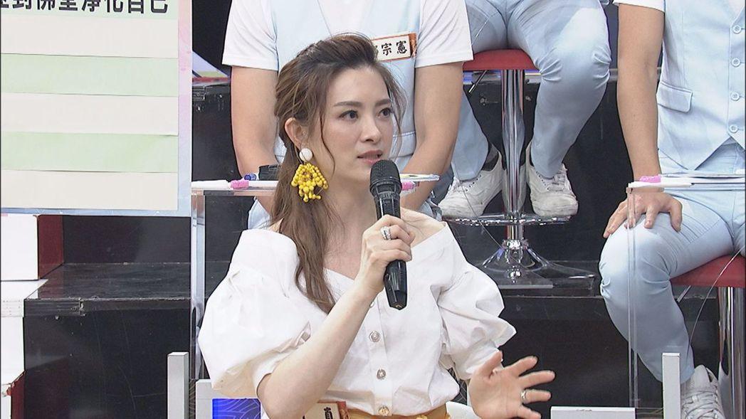 劉真說,辛龍把女兒的一切都當成了珍寶。圖/中天提供