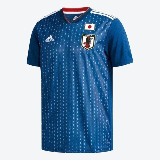 adidas男款日本隊球衣,推薦價2,690元,限量10件。圖/統一時代百貨提供