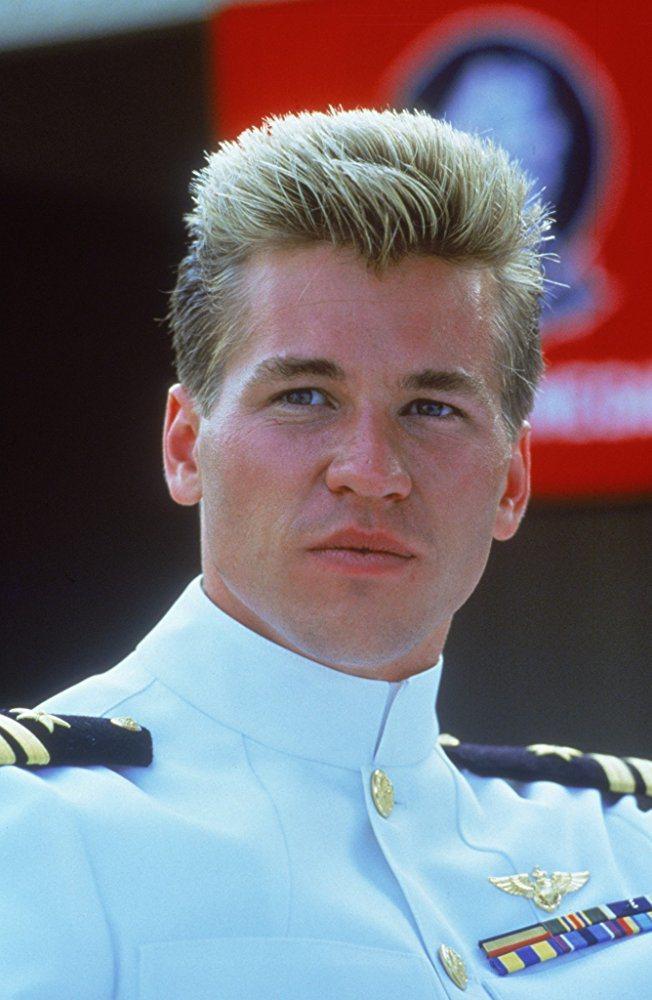 方基墨在「捍衛戰士」飾演冷峻酷帥的飛行員,事業因此大突破。圖/摘自imdb