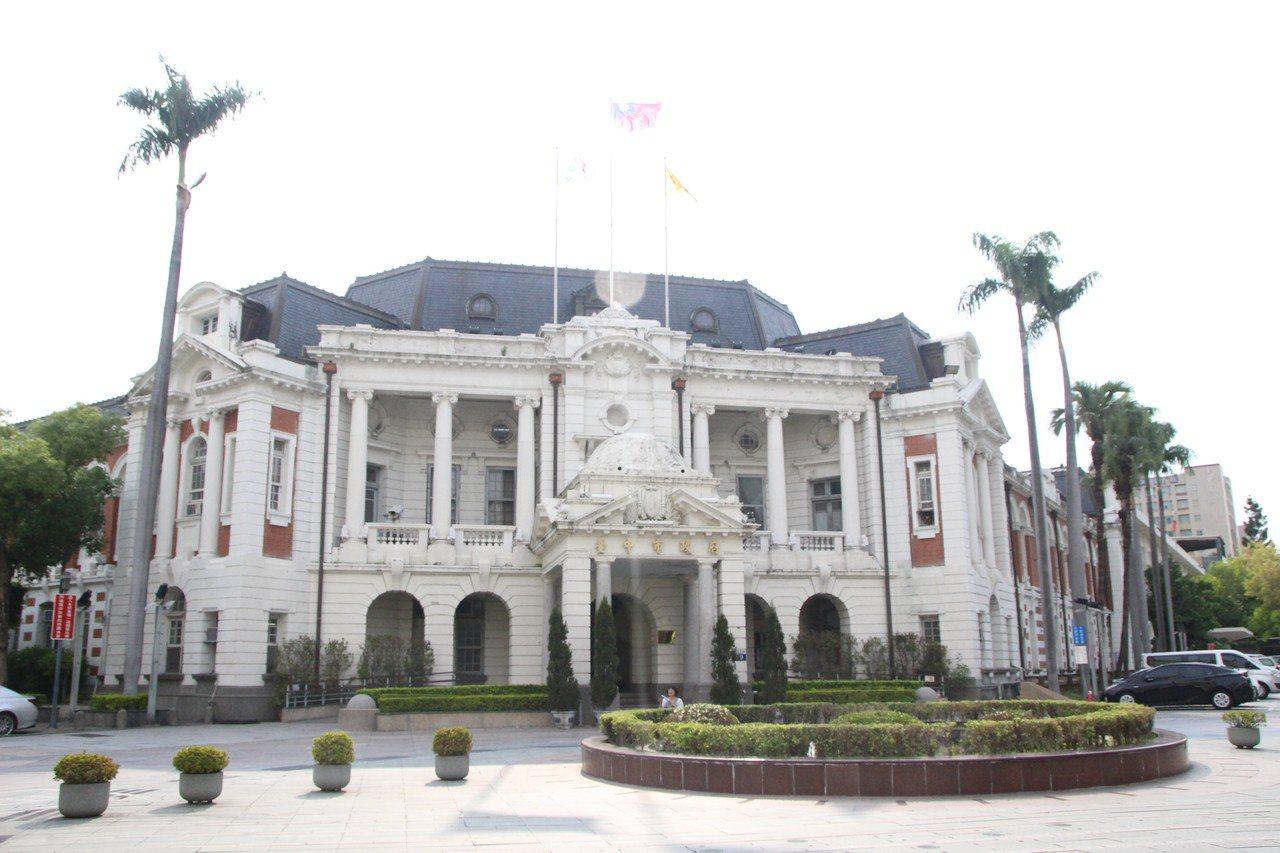 台中州廳為百年老建物,目前仍是市政府辦公室。地址:台中市民權路99號。記者林敬家...
