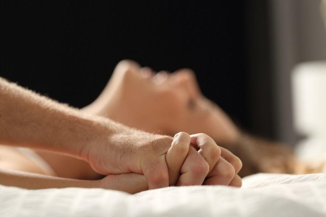 配偶出軌,抓姦在床,不如打贏官司。圖為示意圖。 圖/ingimage