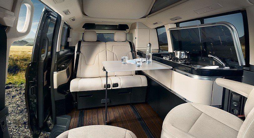 延續豪華品牌的舒適內裝鋪陳,Mercedes Benz Marco Polo露營車目標高端消費市場而來。 圖/Mercedes Benz提供