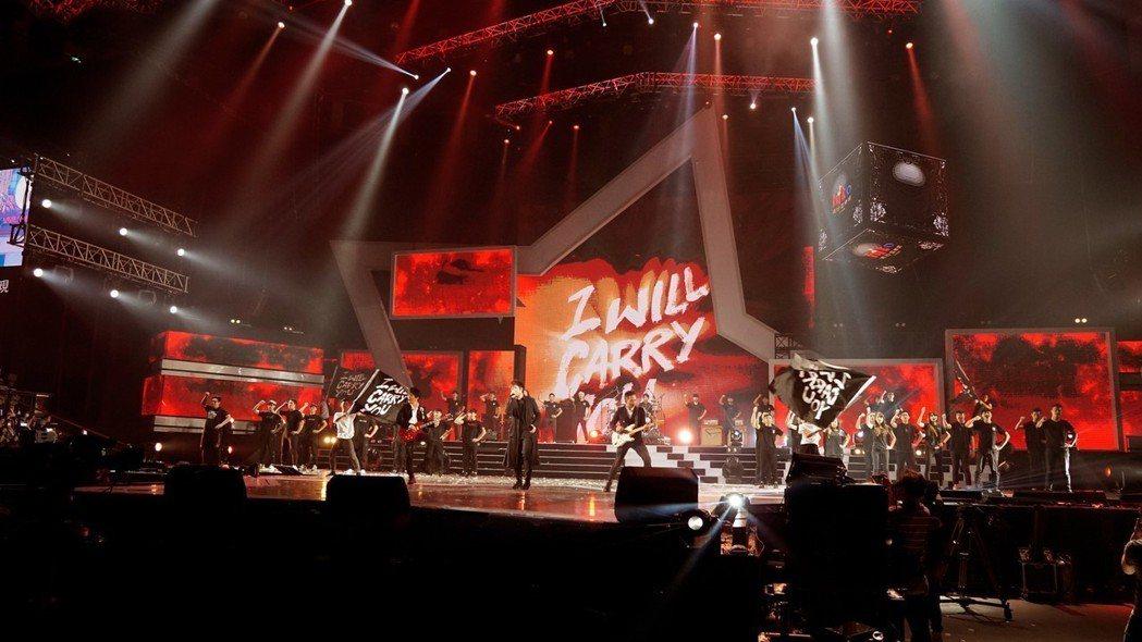 流行樂壇天團五月天與《Garena 傳說對決》電競名人同台合唱團隊主打歌「I W...
