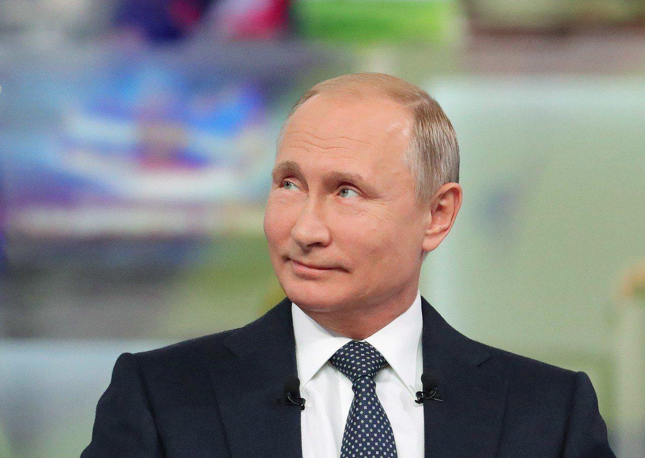俄羅斯總統普亭7日舉行年度直播問答秀「與普亭直接連線」,用了4小時20分回答民眾...