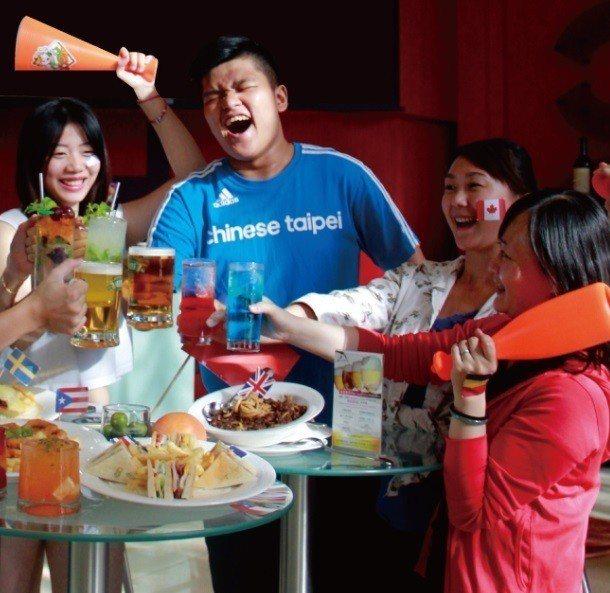 大億麗緻酒店紅唇酒吧於6月14日至7月15日賽事期間每晚6點半至凌晨1點使用大螢...