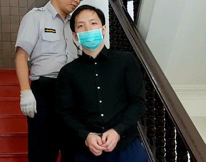 男子程宇去年3月涉性侵殺害女模,遭檢方求處死刑,他涉犯的詐欺、偽造文書等案一樁接...