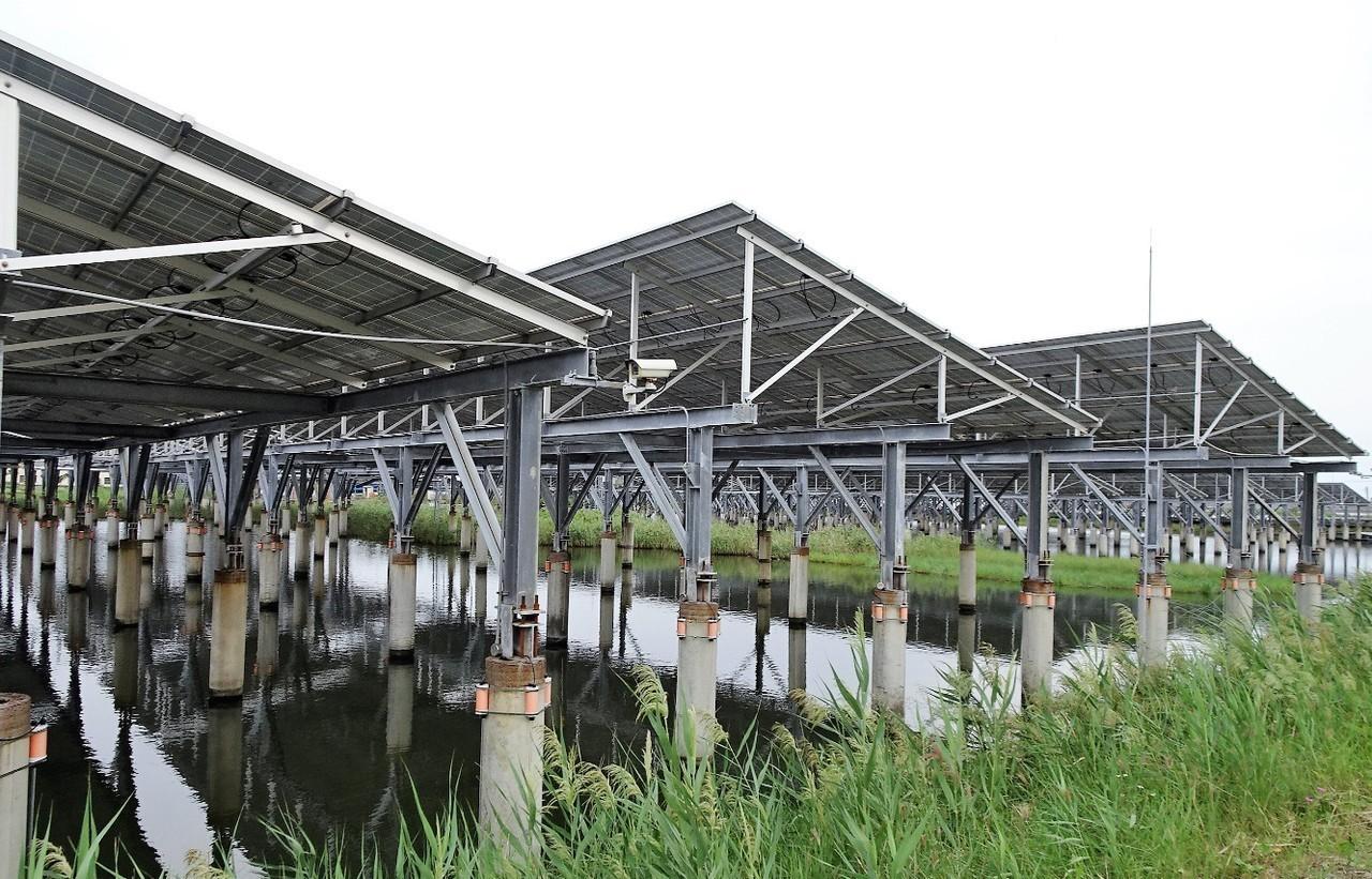 屏東縣沿海鄉鎮的太陽能光電設施。 圖/聯合報系資料照片