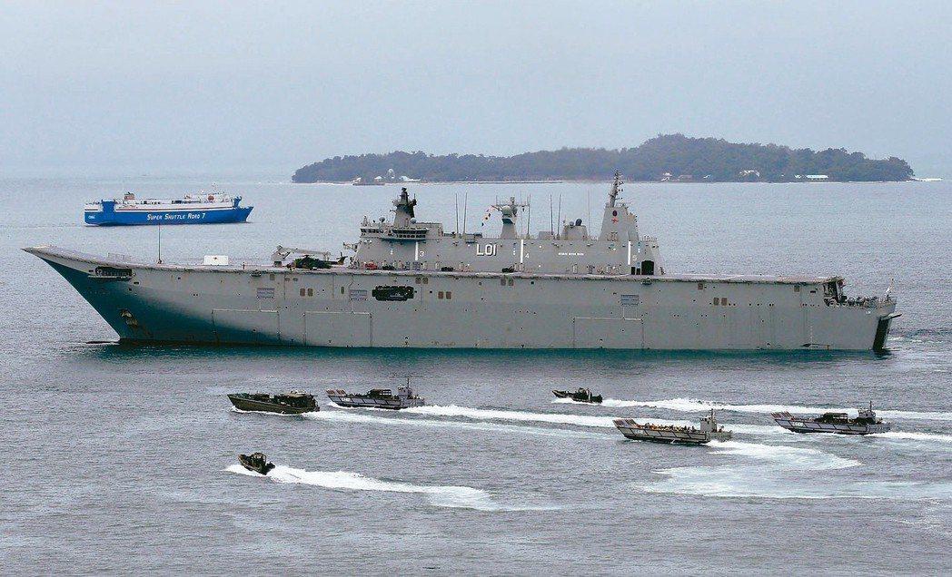 中國間諜船扮成漁船 停澳洲戰艦旁蒐情資