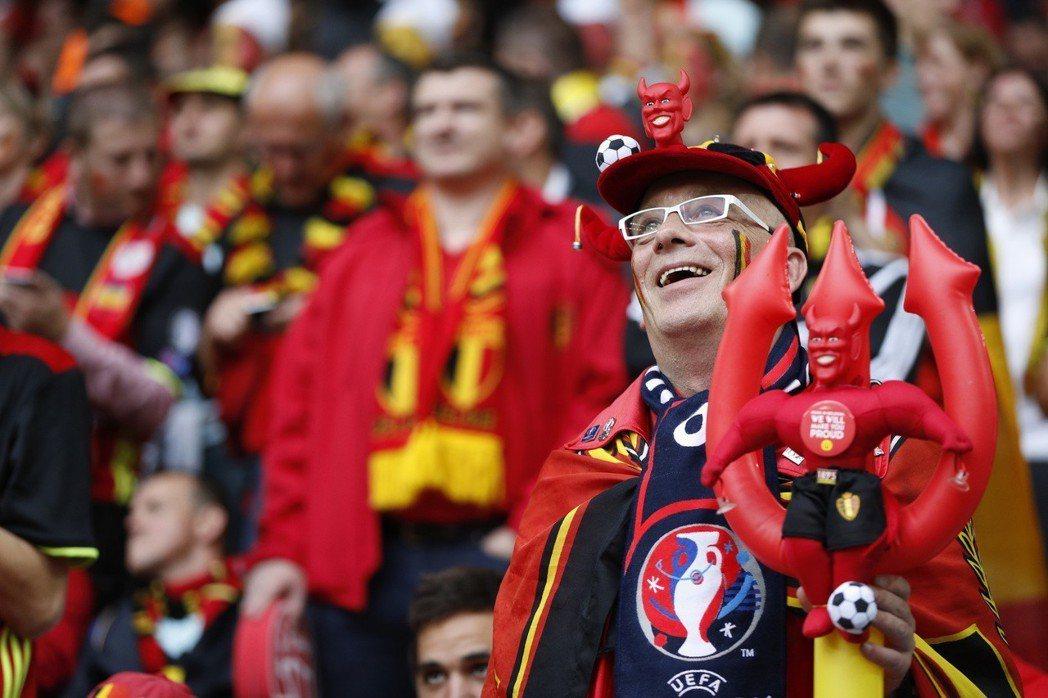 比利時足球瘋。 路透