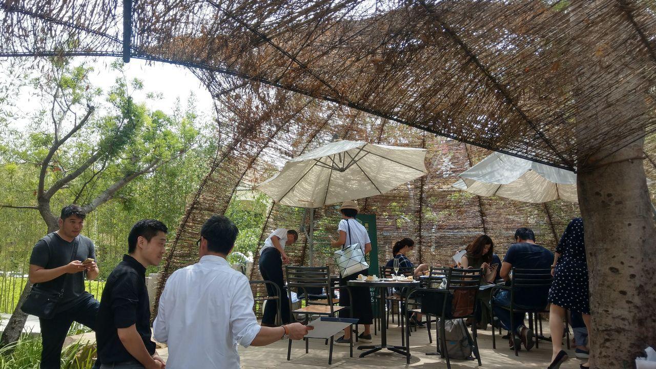 「惠宇PARK23」基地上的竹編大型裝置藝術,很有特色。記者趙容萱/攝影