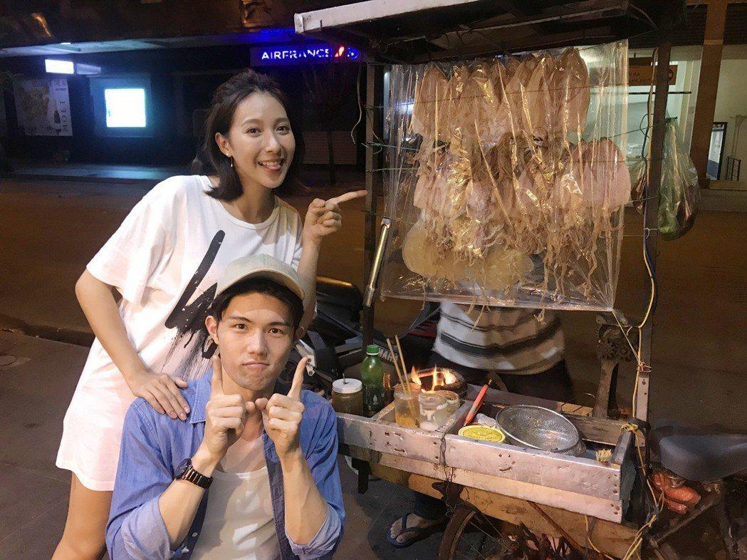 楊晴(左)、張耀仁體驗越南夜生活。圖/TVBS提供