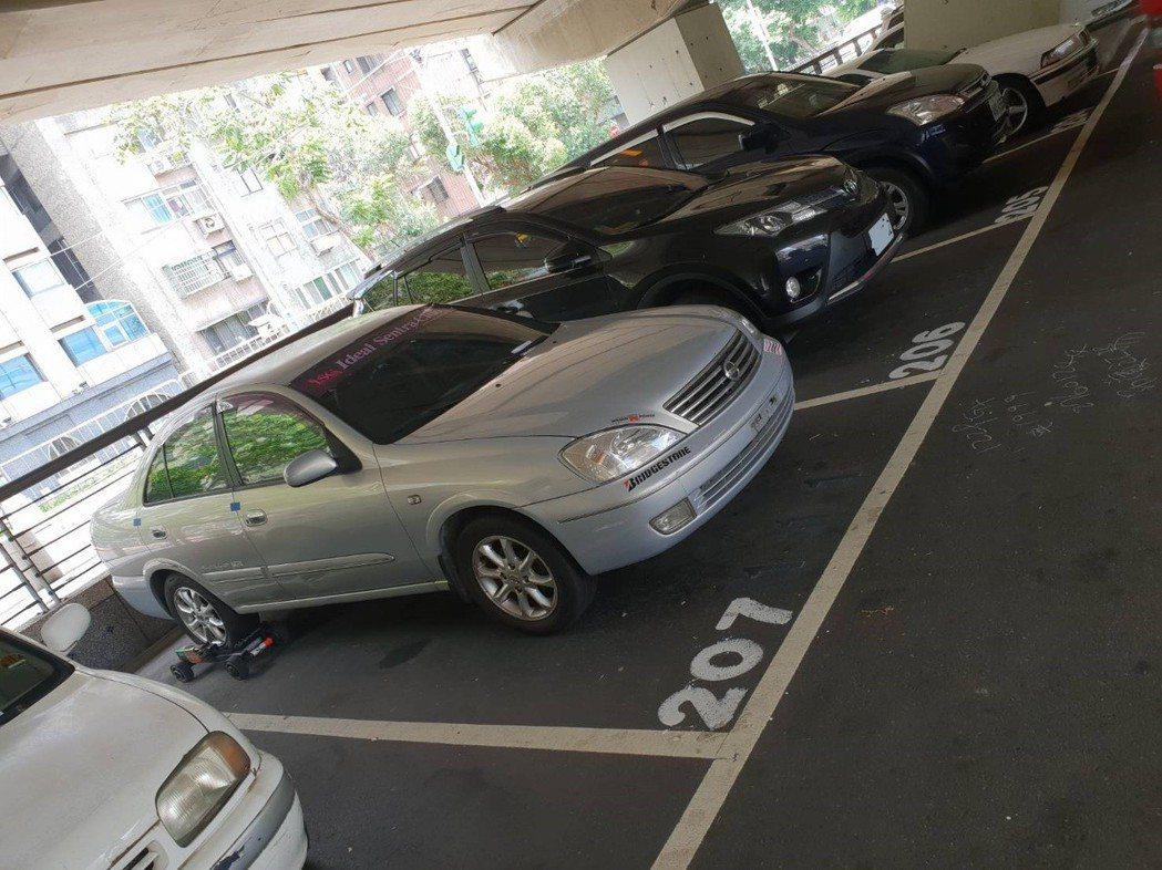 本月4日停管處利用欠費車輛過去停車紀錄「循跡」找出大戶停車規律,加上系統即時通報...