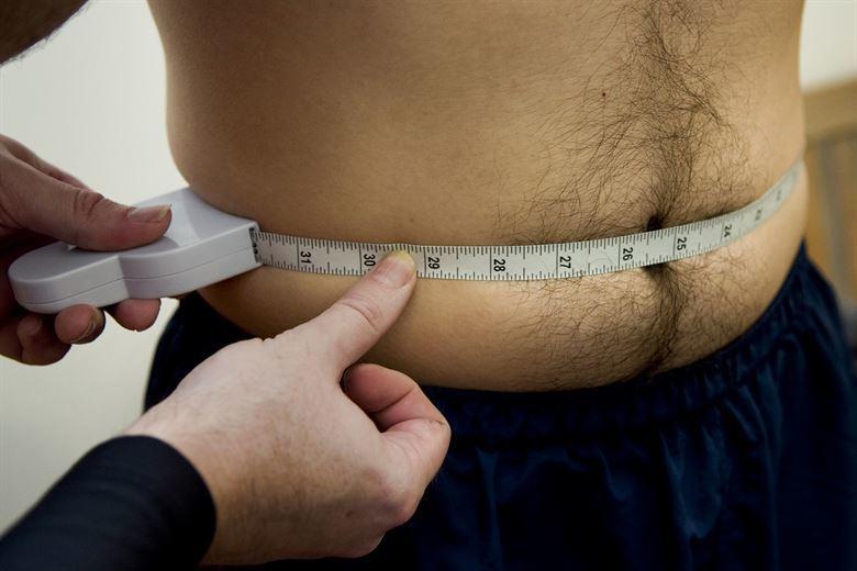 圖說:美國西北大學研究指出,二氧化碳減脂法對減少腹部脂肪有短期效果,但長期效用不...