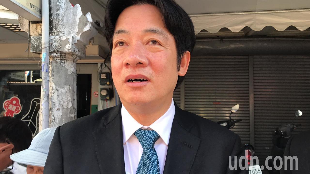 行政院長賴清德出席台灣愛文芒果之父鄭罕池告別式,一度紅了眼眶。記者綦守鈺/攝影