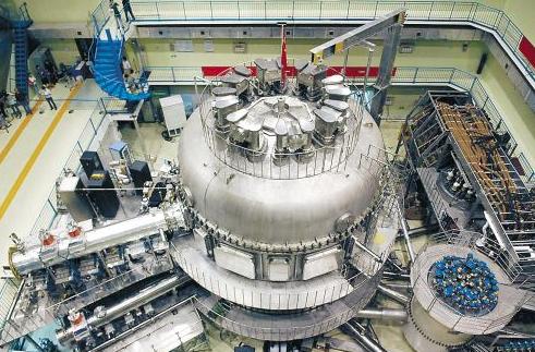 中核集團研發的國際熱核聚變實驗堆(ITER,又稱人造太陽)磁體支撐首批產品9日在...