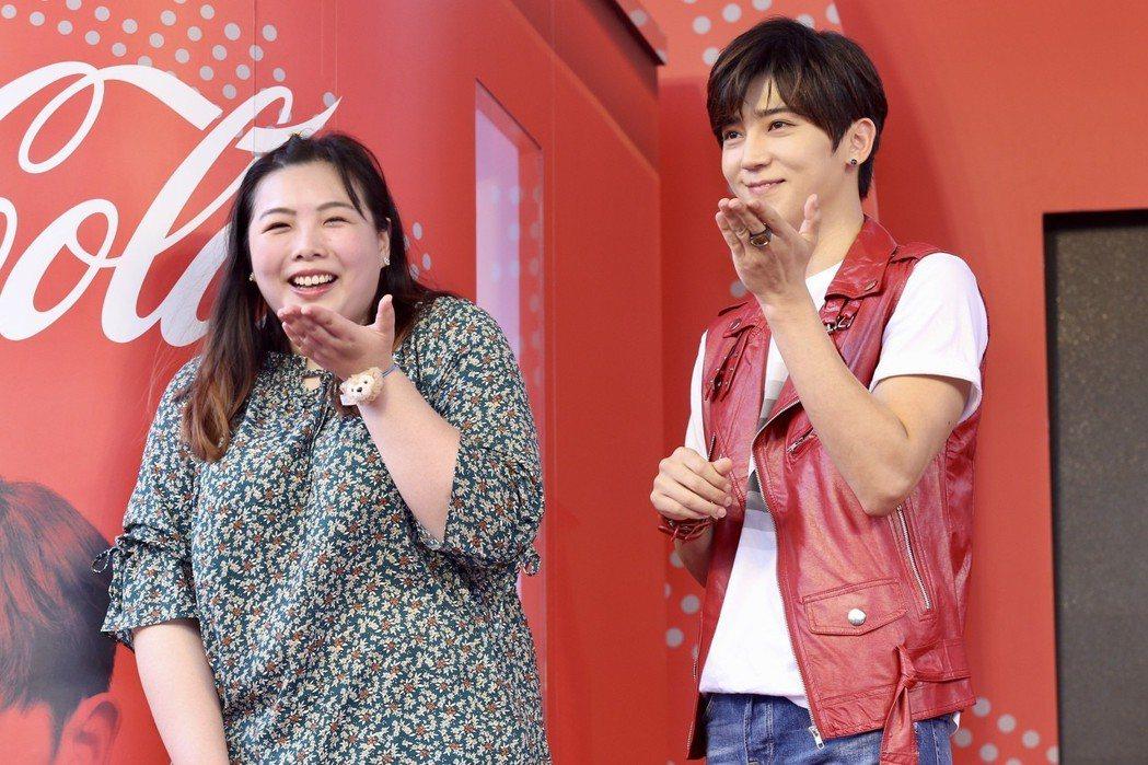 可口可樂互動歌手瓶代言人Bii畢書盡下午出席在華山文創園區舉行的「可口可樂暢快包...