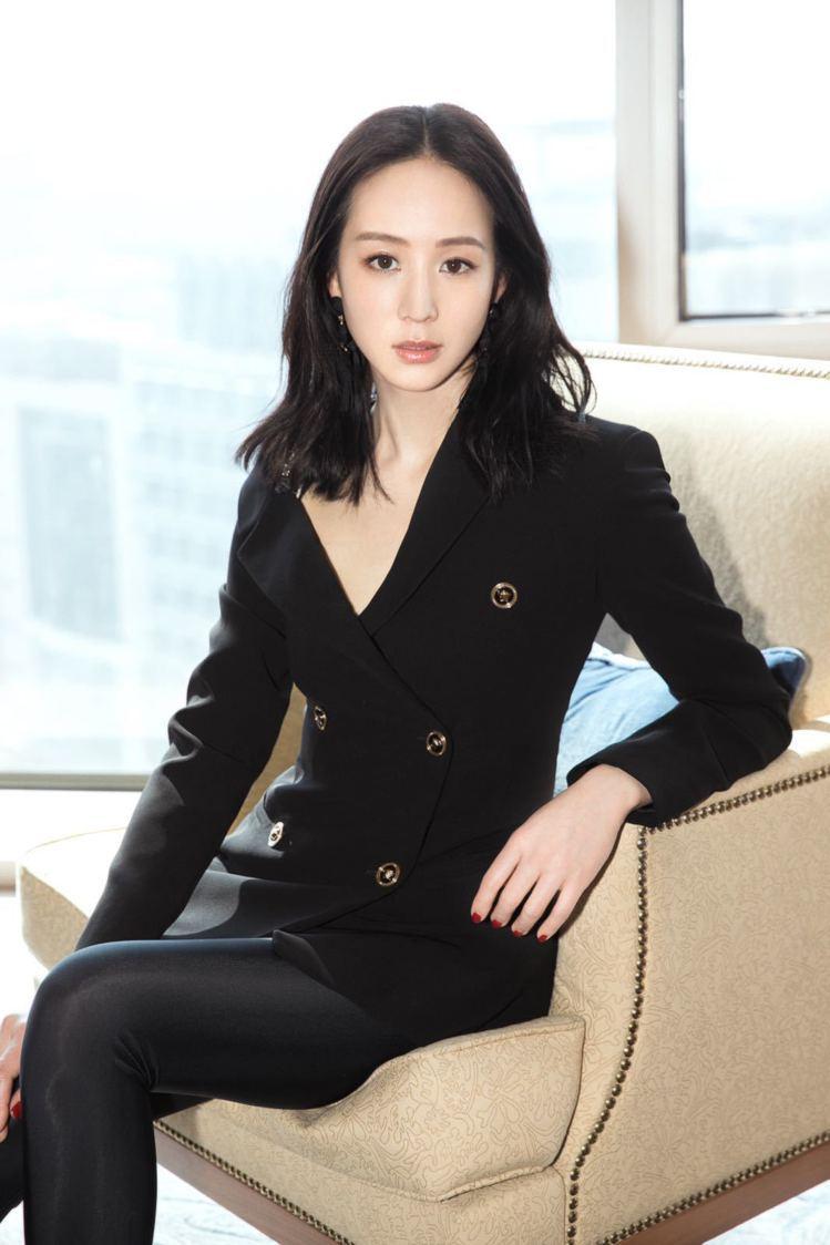 台灣女星張鈞甯。圖/Versace提供