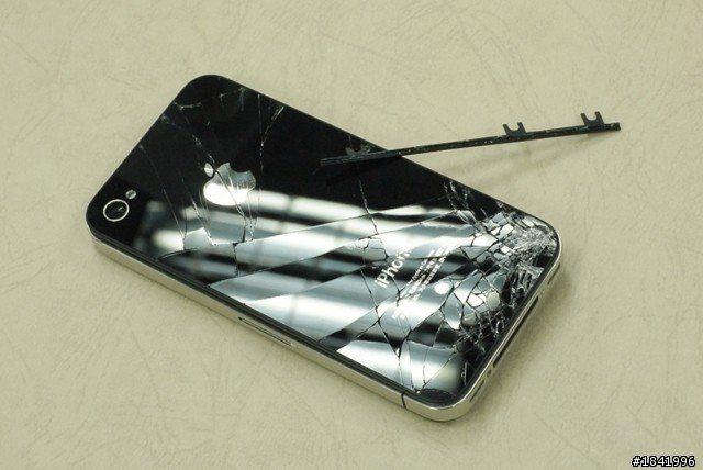 手機最脆弱的就是邊邊角角 圖片來源