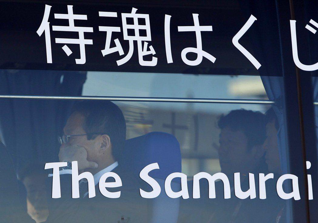 在混亂之中,日本能找回「武士之魂」嗎?圖為2010年率隊出征巴西的岡田武史。 圖...