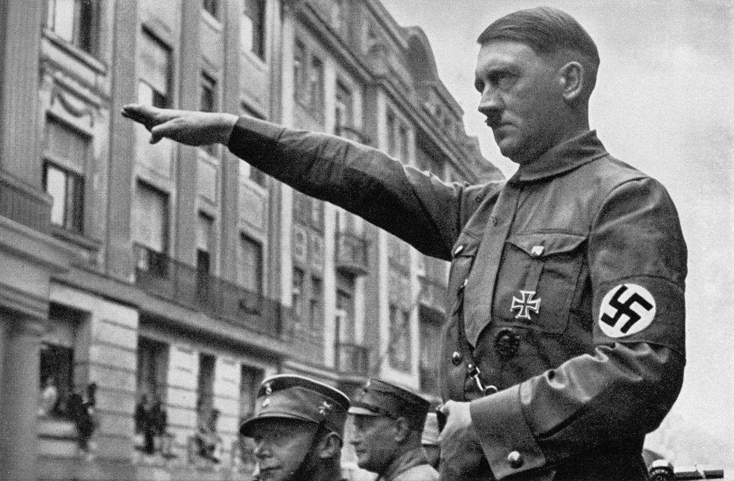 一戰後德國的經濟蕭條被希特勒直接等同生物學上的種族生存危機,它是由於德意志人「感染」了「猶太瘟疫」所致。 圖/維基共享