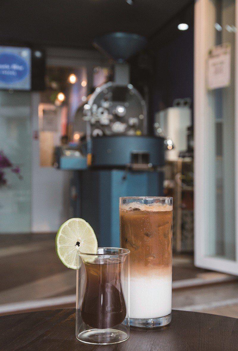 西西里咖啡75元(前)/目前為特別隱藏版,清爽的檸檬果香適合迎接夏天的到來。拿鐵...