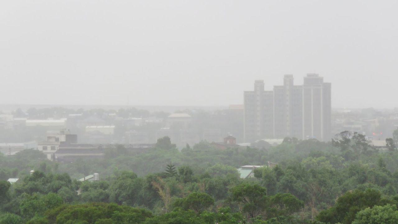 桃園市今天凌晨起降雨解旱象,挹注農業灌溉用水,石門水庫水位止跌,可望逐漸回升。記...