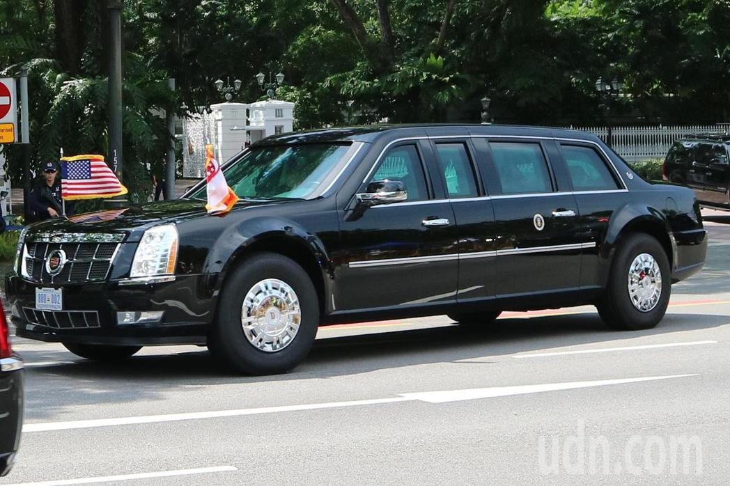 川普座車「野獸」駛離新加坡總統府。特派記者蔡佩芳/攝影
