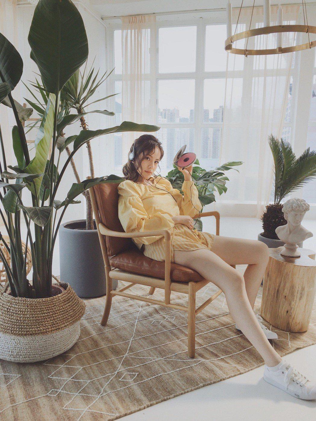 王詩安推出全新單曲「GOOD TIMES」,從酷妹搖身一變成甜姐兒。圖/賦音樂提...