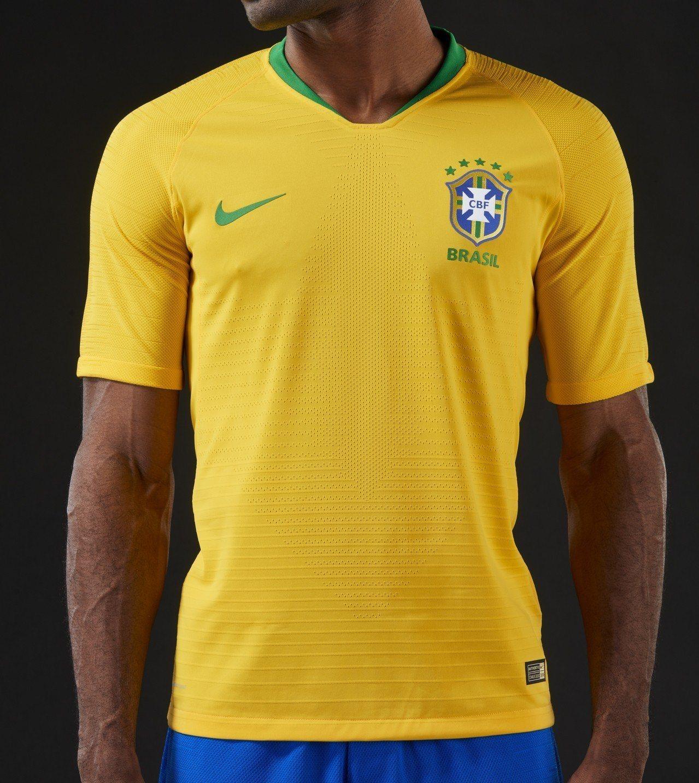 2018年世足賽巴西國家代表隊主場球衣,概念來自70年代時奪冠的時的隊服,約2,...