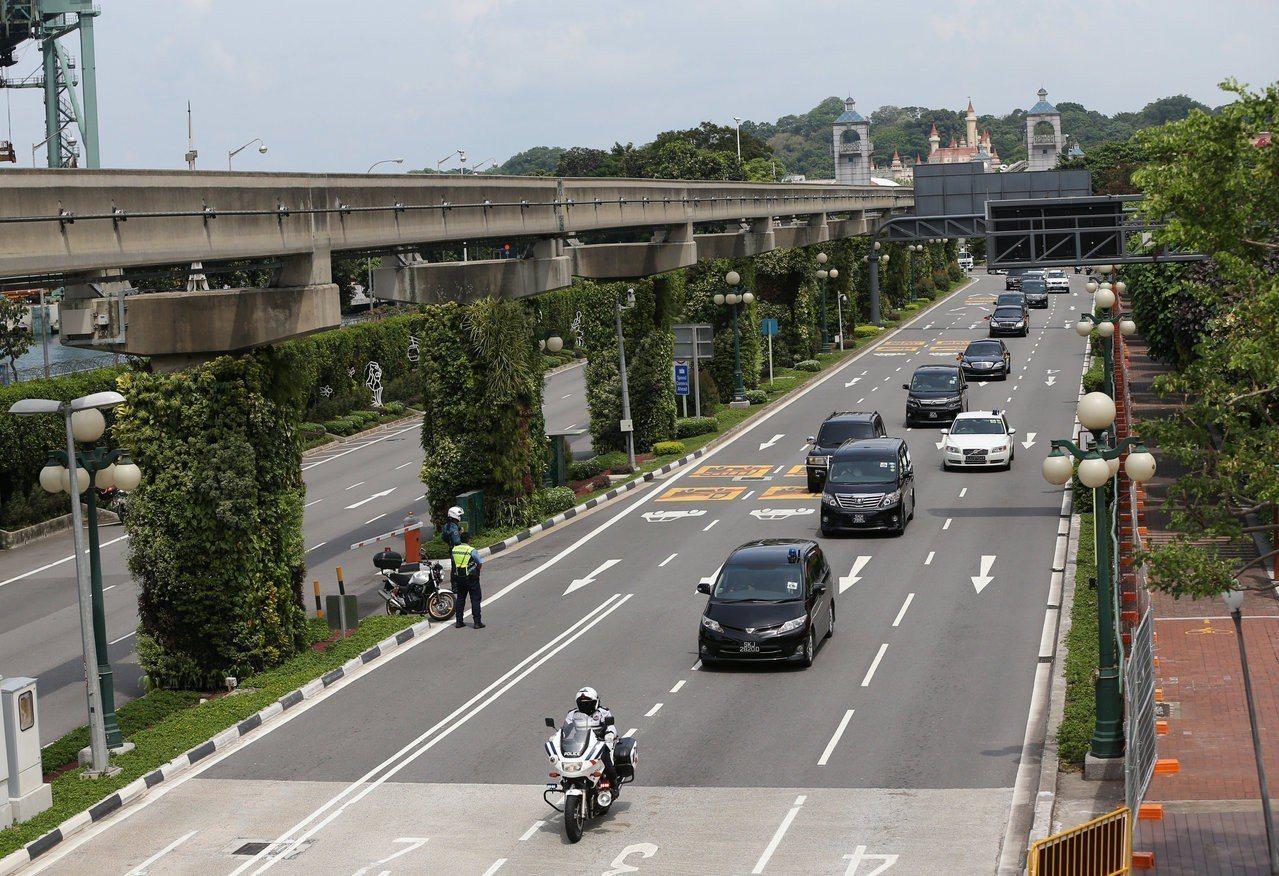 金正恩車隊前往樟宜機場。路透